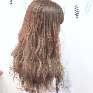 ミルクティーベージュ ロング ナチュラル かわいい ヘアスタイルや髪型の写真・画像