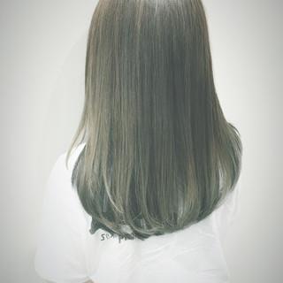 セミロング グラデーションカラー ブルージュ ブルー ヘアスタイルや髪型の写真・画像
