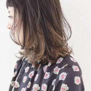 グラデーションカラー アンニュイほつれヘア ミディアム ストリート ヘアスタイルや髪型の写真・画像