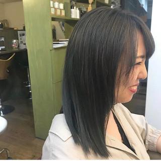セミロング ブルージュ 暗髪 ブルー ヘアスタイルや髪型の写真・画像