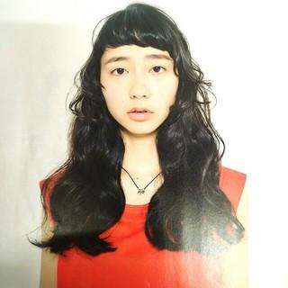 前髪あり パーマ 外国人風 モード ヘアスタイルや髪型の写真・画像