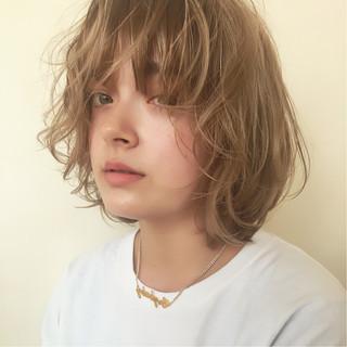 ハイライト ボブ アッシュ ミディアム ヘアスタイルや髪型の写真・画像
