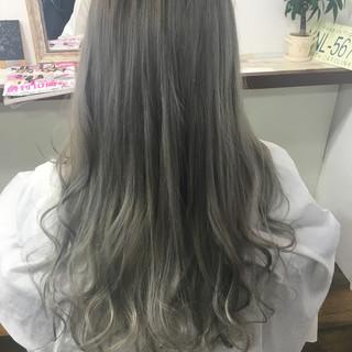 ガーリー アッシュ ロング 外国人風 ヘアスタイルや髪型の写真・画像