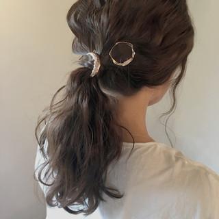ゆるふわ アッシュ 暗髪 セミロング ヘアスタイルや髪型の写真・画像