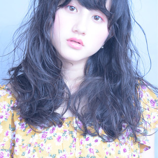 大人女子 ゆるふわ 暗髪 セミロング ヘアスタイルや髪型の写真・画像