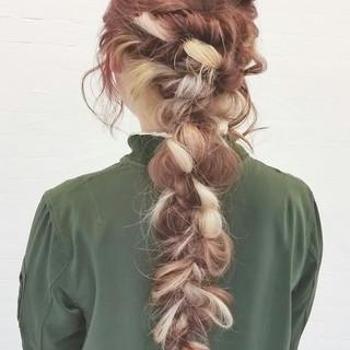ロング グラデーションカラー 編み込み ヘアアレンジ ヘアスタイルや髪型の写真・画像