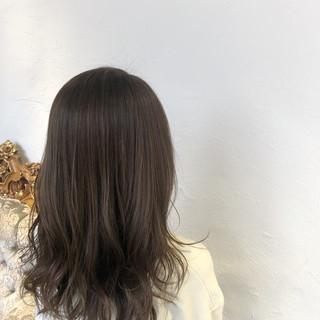 大人ハイライト 外国人風カラー ミディアム グレージュ ヘアスタイルや髪型の写真・画像