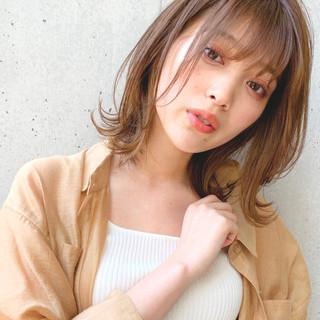 オリーブベージュ ヘアアレンジ ミディアム 鎖骨ミディアム ヘアスタイルや髪型の写真・画像