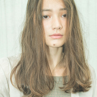 ナチュラル ウェーブ モード パーマ ヘアスタイルや髪型の写真・画像