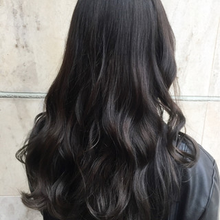 グレージュ セミロング グラデーションカラー 外国人風 ヘアスタイルや髪型の写真・画像