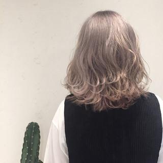 外国人風 ミディアム パープル ストリート ヘアスタイルや髪型の写真・画像