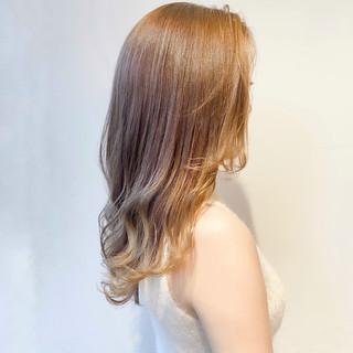 ブリーチなし ミルクティーベージュ セミロング ミルクティーグレージュ ヘアスタイルや髪型の写真・画像