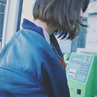 フリンジバング パーマ アッシュ ストリート ヘアスタイルや髪型の写真・画像