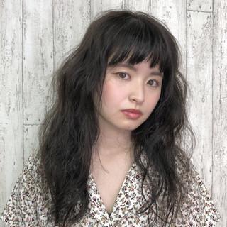 ロング ナチュラル 暗髪 前髪あり ヘアスタイルや髪型の写真・画像