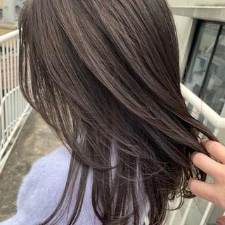 セミロング アンニュイ レイヤーカット 暗髪 ヘアスタイルや髪型の写真・画像