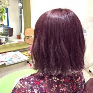 ベージュ ピンク ミディアム レッド ヘアスタイルや髪型の写真・画像