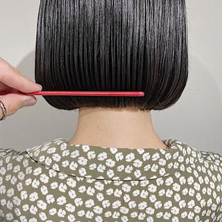 ダークトーン 前下がりボブ 透明感カラー まとまるボブ ヘアスタイルや髪型の写真・画像