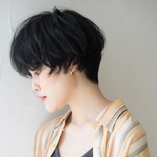 マッシュ アンニュイほつれヘア ナチュラル ショート ヘアスタイルや髪型の写真・画像