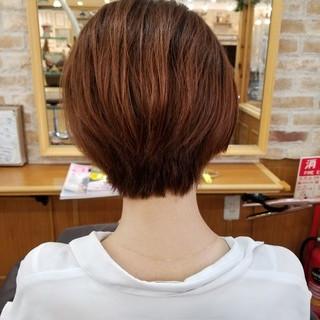 ショート アウトドア グラデーションカラー ナチュラル ヘアスタイルや髪型の写真・画像