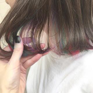 インナーカラー グレージュ グラデーションカラー ストリート ヘアスタイルや髪型の写真・画像