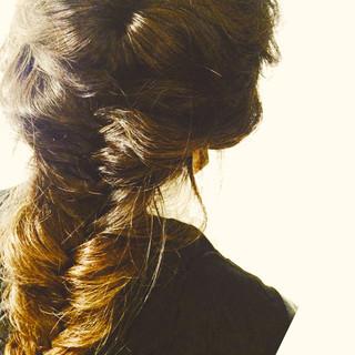 フェミニン フィッシュボーン グラデーションカラー ヘアアレンジ ヘアスタイルや髪型の写真・画像