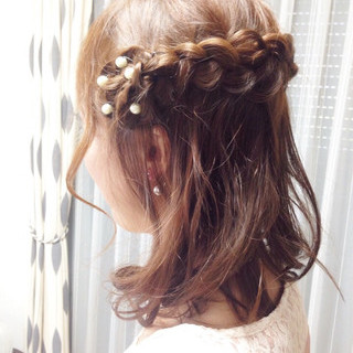 編み込み 大人かわいい ミディアム 結婚式 ヘアスタイルや髪型の写真・画像