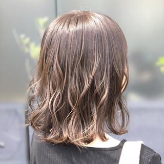 ゆるふわ 女子力 ウェーブ アウトドア ヘアスタイルや髪型の写真・画像