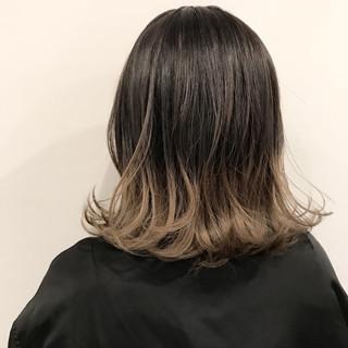 グラデーションカラー ダブルカラー ミルクティーベージュ ストリート ヘアスタイルや髪型の写真・画像