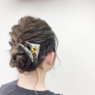 ナチュラル ミディアム パーティ ヘアアレンジ ヘアスタイルや髪型の写真・画像