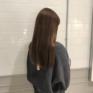 ミルクティーベージュ ミルクティー ハイトーン ナチュラル ヘアスタイルや髪型の写真・画像