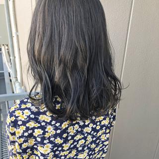 グレージュ ナチュラル デート ミディアム ヘアスタイルや髪型の写真・画像