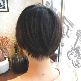 大人かわいい 色気 ショート 小顔 ヘアスタイルや髪型の写真・画像