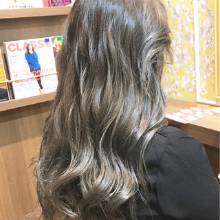 ハイライト ロング 外国人風 グレージュ ヘアスタイルや髪型の写真・画像