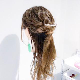 三つ編み 簡単ヘアアレンジ セミロング エレガント ヘアスタイルや髪型の写真・画像