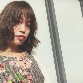 アンニュイ ミディアム 前髪あり デート ヘアスタイルや髪型の写真・画像