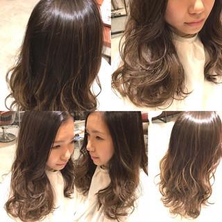 ゆるふわ 暗髪 グラデーションカラー ロング ヘアスタイルや髪型の写真・画像