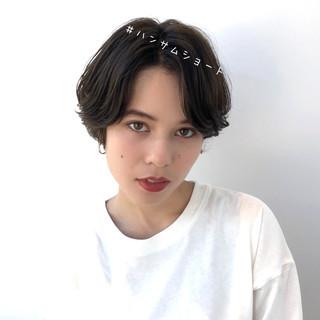 アンニュイほつれヘア ショート 暗髪 透明感カラー ヘアスタイルや髪型の写真・画像