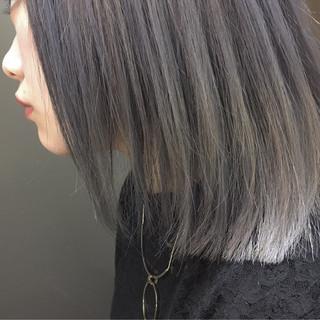 アッシュ グレージュ 切りっぱなし 外国人風カラー ヘアスタイルや髪型の写真・画像