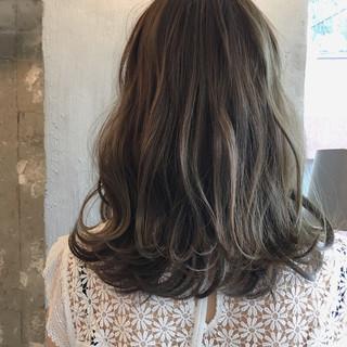 透明感 秋 女子会 ミディアム ヘアスタイルや髪型の写真・画像