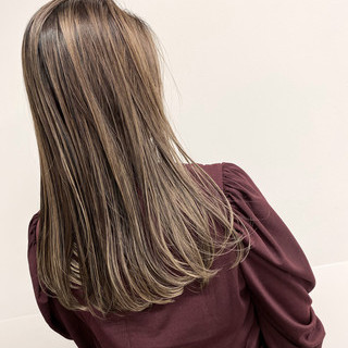 ハイライト ロング バレイヤージュ 外国人風カラー ヘアスタイルや髪型の写真・画像