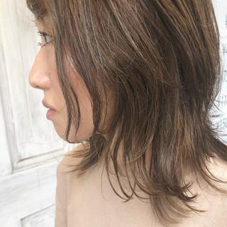 ウルフカット 外国人風 アッシュベージュ ナチュラル ヘアスタイルや髪型の写真・画像