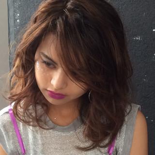 ゆるふわパーマ ガーリー ランダムカール ゆるふわ ヘアスタイルや髪型の写真・画像