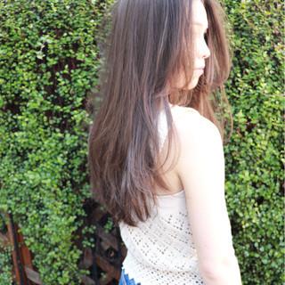 春 ロング レイヤーカット ガーリー ヘアスタイルや髪型の写真・画像