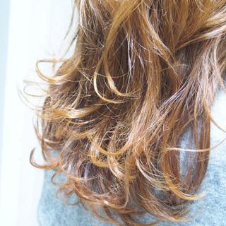 ナチュラル ハイライト ロング グラデーションカラー ヘアスタイルや髪型の写真・画像
