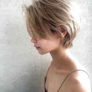 ショートボブ ショートヘア ショート ミルクティーベージュ ヘアスタイルや髪型の写真・画像