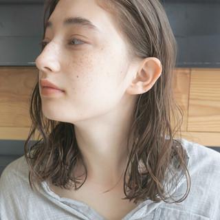 くせ毛風 パーマ 透明感 ナチュラル ヘアスタイルや髪型の写真・画像