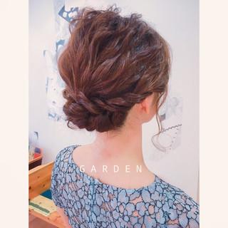 ヘアアレンジ ミディアム 結婚式 波ウェーブ ヘアスタイルや髪型の写真・画像