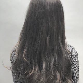 ミルクティーベージュ 秋 透明感 セミロング ヘアスタイルや髪型の写真・画像
