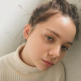 簡単ヘアアレンジ セミロング デート アウトドア ヘアスタイルや髪型の写真・画像