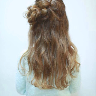 フェミニン ヘアアレンジ ゆるふわ ガーリー ヘアスタイルや髪型の写真・画像